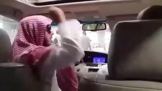 رمی جمرات شاهزاده سعودی از داخل ماشین