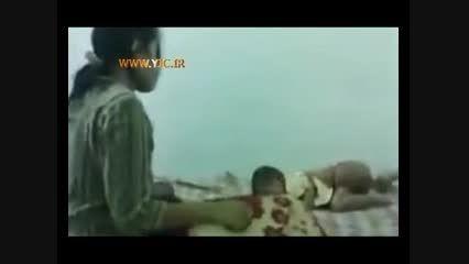 فیلم کودک آزاری و کتک زدن یک کودک توسط مادر ناتنی