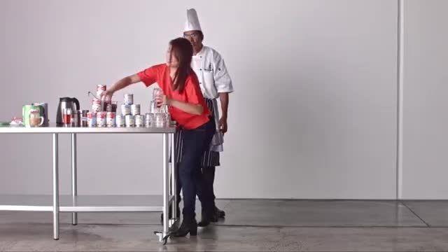 کشیدن تابلوی سه بعدی با استفاده از 20000 چای کیسه ای