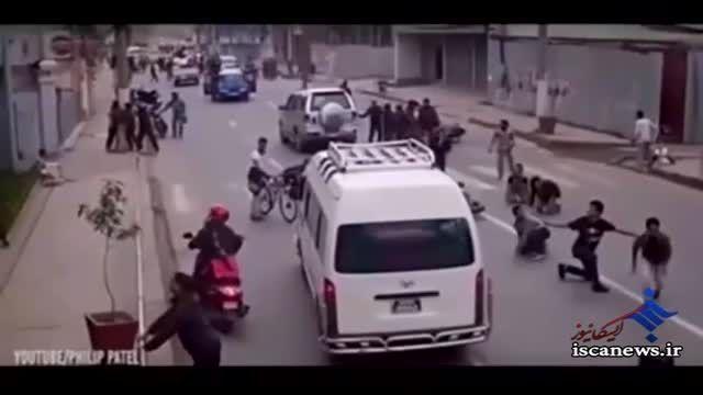 تصاویر دوربین شهری در پاکستان حین زلزله شدید