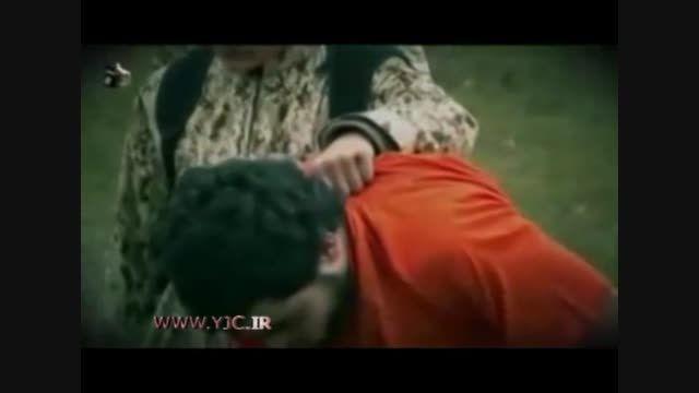 اعدام یک داعشی توسط همرزم 10 ساله اش!!!!!!!!