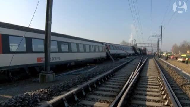 برخورد دو قطار در سوئیس