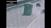 برخورد مرگبار اتوبوس در بزرگراه!!