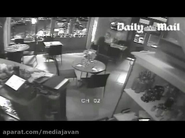 لحظات رعب و وحشت در رستوران پاریس