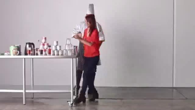 کشیدن تابلوی سه بعدی با استفاده از ۲۰۰۰۰ چای کیسه ای