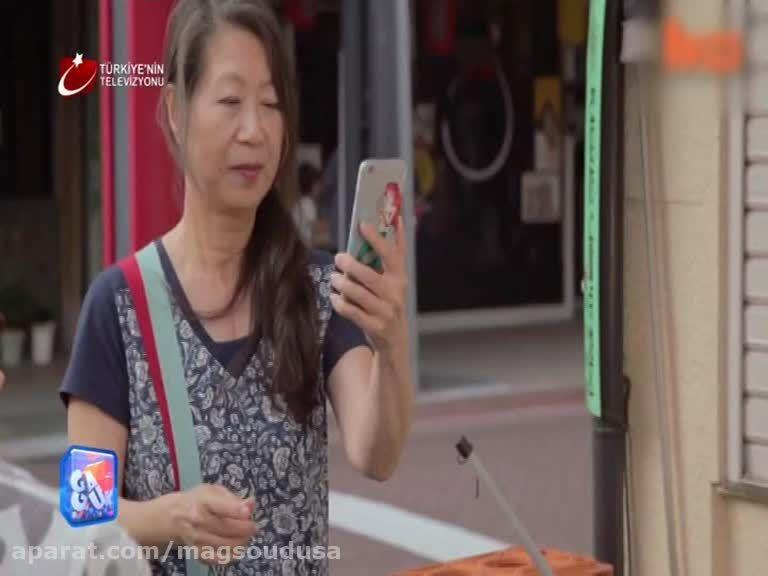 لاکپشت یک مرد چینی بجای سگ گردانی تو خیابان