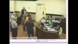 حمله قاتل به وکیل در دادگاه