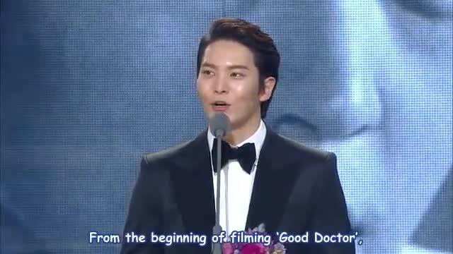 جایزه بهترین بازیگر مرد برای سریال دکتر خوب(آقای دکتر)