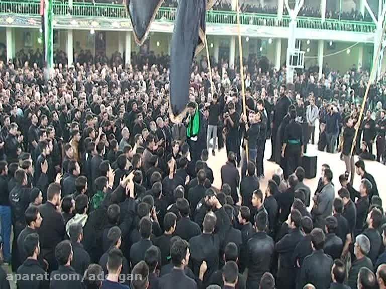 مداحی قشنگ درحسینیه سیدالشهداء آدرگان اصفهان