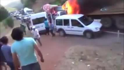 تصاویری تاسف بار از درگیری میان ترک ها و کردها ترکیه