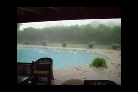بارش شدید تگرگ-واقعا شدید!!!!!!
