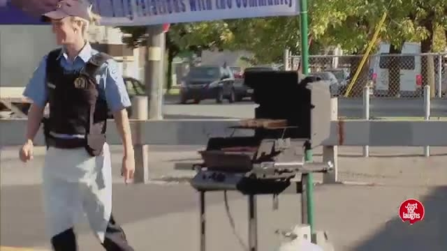 دوربین مخفی ماشین کنترلی و انفجار باربیکیو