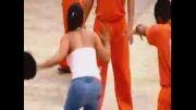 تفریح زندانی ها. اون خانم نیست آقاست