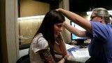 دختر ناشنوایی که پس از 29 سال برای اولین بار صدایش را می شنود