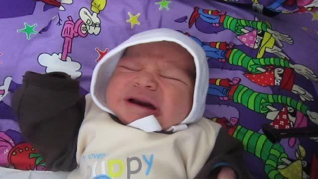 گریه نوزاد یه روزه