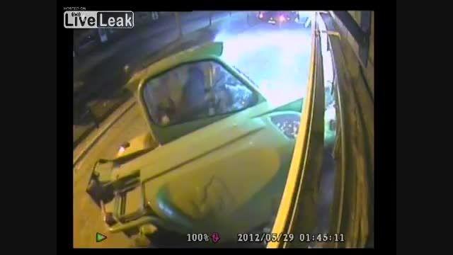 سرقت عابربانک با بیل مکانیکی - تخریب بانک