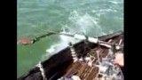 ساخت قایقی ابتکاری توسط جوانان عسلویه