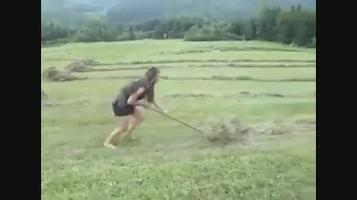 کلیپ جالب از دختر کشاورز