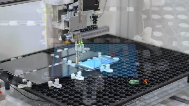 روبات OptoFidelity برای چک کردن لگ دستگاه های اندرویدی