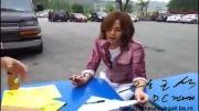 امضا دادن سوکی به طرفداراش
