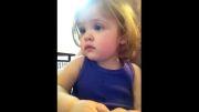 گریه این کودک پس از شنیدن صدای مادرش که فوت کرده اشکودرمیاره
