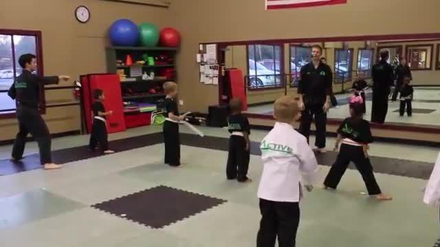 هنرهای رزمی کودکان و نوجوانان 4 تا 6 سال