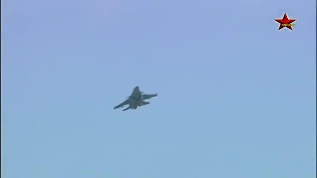 نمایش هوایی هواپیماهای جنگنده روسی