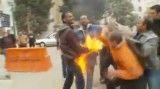 مرد مصری خود را به آتش کشید