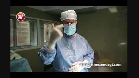 جراحی سنگین افتادگی پلک چشم در اتاق عمل بیمارستان ساسان