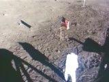 ادعای دروغین آمریکا مبنی بر پا روی کره ماه گذاشتن