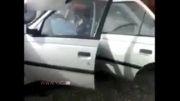 سرنشینان پژویی که بعد از دو نیم شدن خودرو زنده ماندند