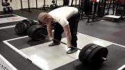 بلند کردن وزنه سنگین و از حال رفتن وزنه بردار......