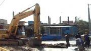 شکسته شدن لوله آب منطقه تختی در هنگام حفاری غیر کارشناسی