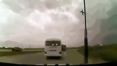 سقوط هواپیمای مسافربری ************
