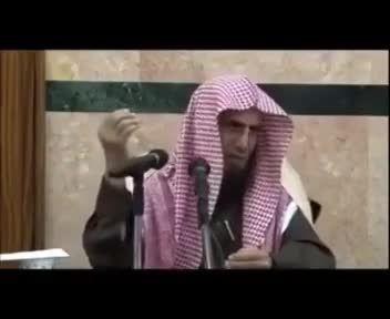 مفتی عربستانی:تماشای فوتبال برای زنان حرام است!