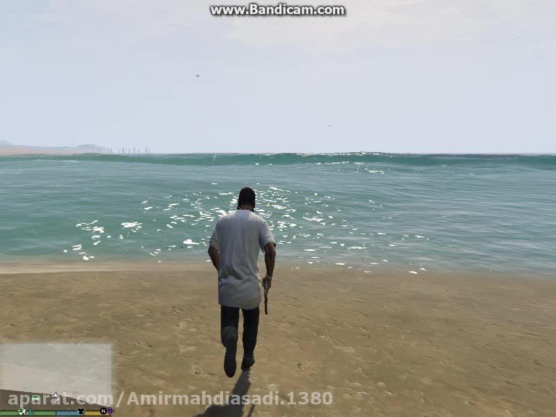 من و چاپ کنار ساحل در بازی Gta V