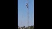 برافراشتن پرچم امام حسین در مقابل تک تیرانداز داعش