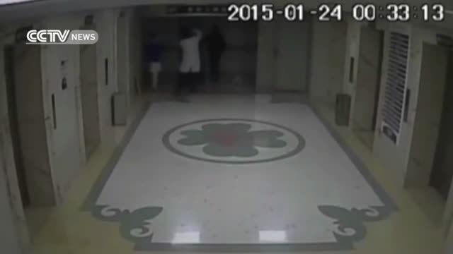 مرگ پزشک و بیمار در چاه آسانسور