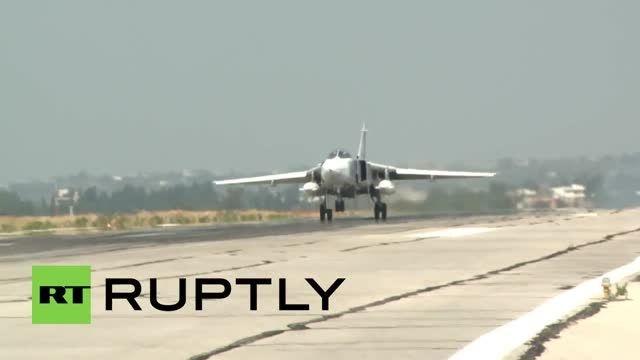 جنگنده بمب افکن های روسیه که مواضع داعش می کوبند