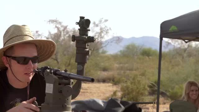 آزمایش مقاومت آیفون 6 در برابر اسلحه Artillery
