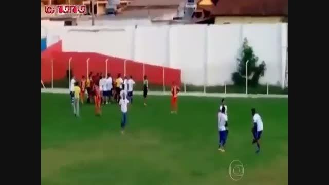 داور فوتبال برای بازیکن هفت تیر کشید فیلم گلچین صفاسا