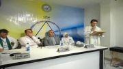 مراسم اهداء لوح به آقای سلامی در روز افتتاح نمایندگی صالحی