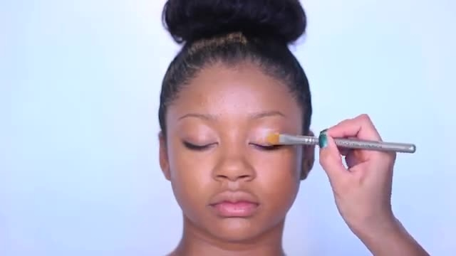 آموزش آرایش مناسب پوست تیره