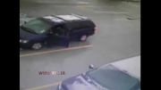 ماشینی که راننده خود را زیر گرفت