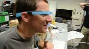چگونه عینک هوشمند گوگل به یاری افراد نابینا می آید