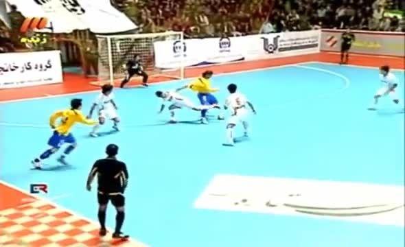 Fut5al/ اشتباه تاریخی علی پورافشار در بازی ایران- برزیل