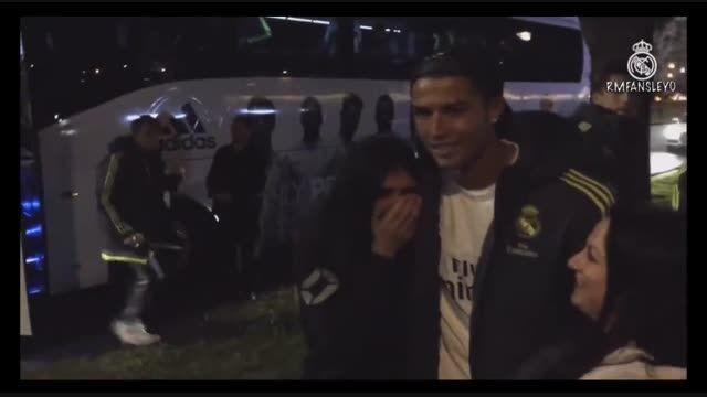 کریستیانو رونالدو همراه طرفدارانش در استرالیا