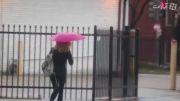 Air Umbrella چتری که با فشار هوا جلوی باران را می گیرد
