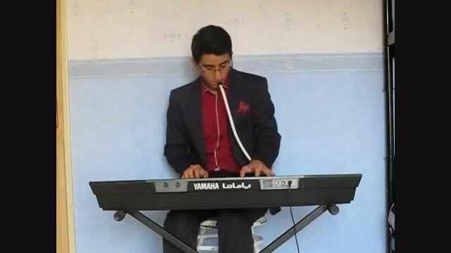 اجرای قطعه زیبای کلاسیک پیانو به صورت همزمان با ملودیکا
