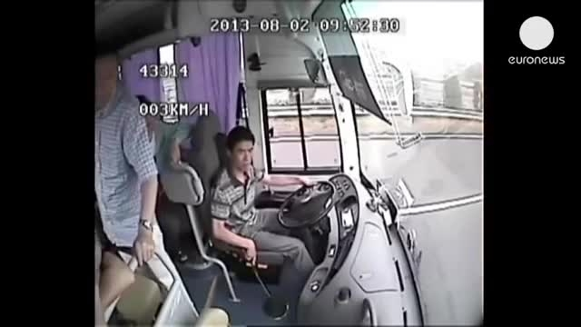 تصاویر وحشتناک از تصادف یک اتوبوس در چین